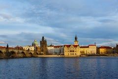 Fiume della Moldava e ponti, Praga Immagine Stock Libera da Diritti