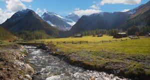 Fiume della montagna alla valle del sertig, Svizzera Fotografia Stock Libera da Diritti