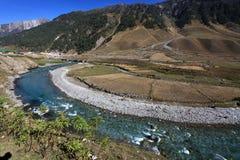 Fiume della montagna nell'elevata altitudine di Ladakh, India Immagini Stock Libere da Diritti