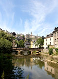 Fiume di Alzette a Lussemburgo Immagine Stock