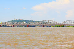 Fiume di Ava Bridge Cross The Irrawaddy, Sagaing, Myanmar fotografie stock