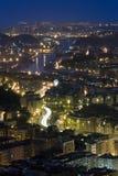 Fiume di Bilbao entro la notte fotografia stock libera da diritti