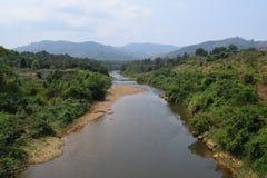 Fiume di Dai Quay nel periodo di siccità nella provincia di Lam Dong, Vietnam Fotografia Stock