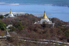 Fiume di Irrawaddy dalla collina di Sagaing - Myanmar Immagine Stock