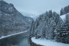 Fiume di Lech nell'orario invernale Fussen germany Fotografia Stock