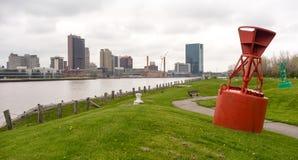 Fiume di Maumee dell'orizzonte di Toledo Ohio Waterfront Downtown City fotografie stock