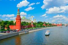 Fiume di Mosca Kremlin e di Mosca Fotografia Stock Libera da Diritti