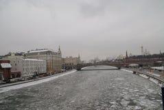Fiume di Mosca nell'inverno Immagine Stock