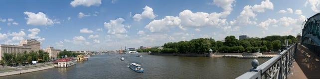 Fiume di Mosca - vista al centro della città Fotografia Stock