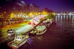 Fiume di Parigi alla notte Fotografia Stock Libera da Diritti