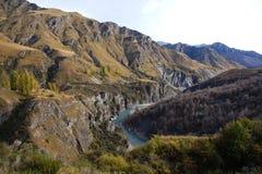 Fiume di Shotover ai capitani Canyon Road, Queenstown, Nuova Zelanda Fotografia Stock Libera da Diritti