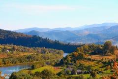Fiume di Stryi nei Carpathians Fotografia Stock