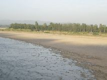 Fiume di Tawi, Jammu, India fotografia stock libera da diritti