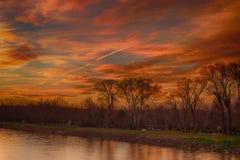 Fiume e tramonto immagine stock libera da diritti