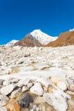 Fiume ghiacciato V della montagna dell'Himalaya di Langtang Lirung Immagine Stock Libera da Diritti
