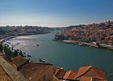Fiume il Duero e vecchia città a Oporto Fotografia Stock Libera da Diritti