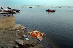 Fiume inquinante Ganga Fotografia Stock