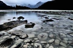 Fiume Jasper National Park di Athabasca Fotografia Stock Libera da Diritti