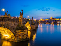 Fiume la Moldava, Charles Bridge Prague Czech Republic Fotografia Stock