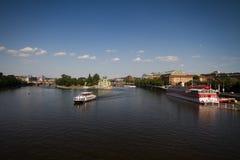 Fiume la Moldava a Praga Immagini Stock Libere da Diritti