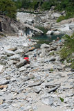 Fiume Maggia vicino a Ponte Brolla Fotografia Stock Libera da Diritti