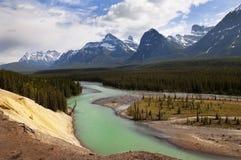 Fiume in Montagne Rocciose canadesi Fotografie Stock Libere da Diritti