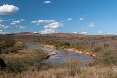 Fiume nel periodo di siccità. Fotografia Stock