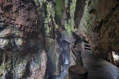 Fiume nell'area scenica di Jiuxiang nel Yunnan in Cina L'area delle caverne di Thee Jiuxiang è vicino alla foresta di pietra di K Immagine Stock Libera da Diritti