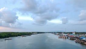 Fiume Prasae il golfo del Siam di sera Fotografia Stock