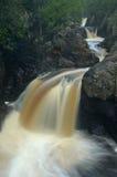 Fiume precipitante a cascata Fotografia Stock
