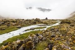 Fiume, rocce e nuvole in valle di Collanes in vulcano dell'altare di EL Immagine Stock Libera da Diritti