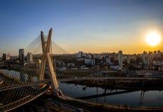 FIUME SAO PAULO BRASILE DI PINHEIROS fotografia stock