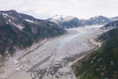 Fiume scorrente di ghiaccio in Jeneau Alaska immagini stock libere da diritti