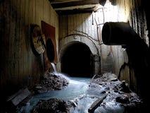 Fiume sotterraneo abbandonato Fotografie Stock Libere da Diritti