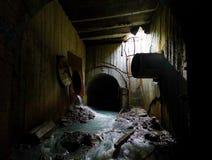 Fiume sotterraneo abbandonato Immagini Stock Libere da Diritti