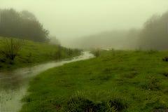 Fiume sulla nebbia Immagini Stock Libere da Diritti