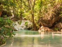 Fiume in una foresta, Tailandia Immagini Stock