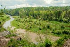 Fiume in valle di Akkem nel parco naturale delle montagne di Altai, dintorni della montagna di Belukha Immagine Stock Libera da Diritti