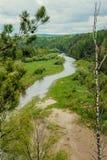 Fiume in valle di Akkem nel parco naturale delle montagne di Altai, dintorni della montagna di Belukha Immagini Stock Libere da Diritti