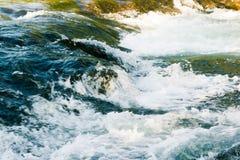 Fiume veloce della montagna in rapida Immagine Stock Libera da Diritti