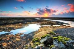 Fiume vulcanico di alba fotografie stock libere da diritti