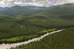Fiume Zhupanova Riserva naturale di Kronotsky sulla penisola di Kamchatka fotografia stock libera da diritti