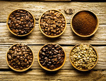Free Five Varieties Of Coffee Beans And Powder Royalty Free Stock Photos - 36767628