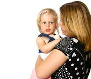 Fixation de mère sa fille d'enfant en bas âge Images stock