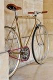 Fixie del vintage con una cadena rosada Fotos de archivo