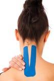 Fizjoterapia - ręka stabilizująca z kinesotape po urazu Zdjęcie Stock