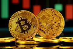 Fizyczna wersja Bitcoin, nowy wirtualny pieniądze Obrazy Royalty Free