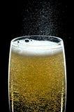 Fizzing szkło szampan Zdjęcie Stock