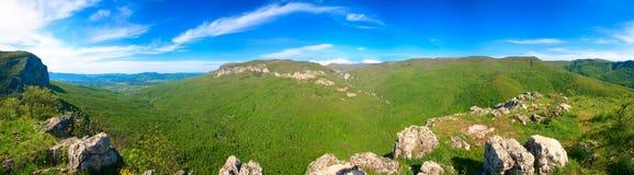fjäder för panorama för landscrimea berg Arkivbild