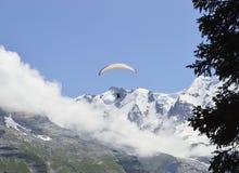 Fjälläng Schweiz för himmeldykning Royaltyfri Foto